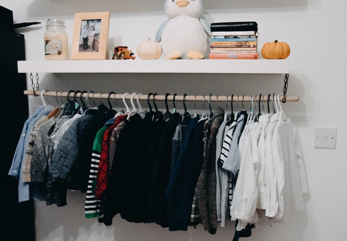 DIY Children's clothes rail